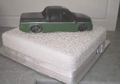 Novelty car ute cake.